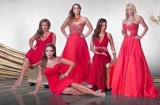 HULU's Top 10 Latino Series (7)