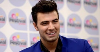 JenCarlos-Canela-Passion Of Christ