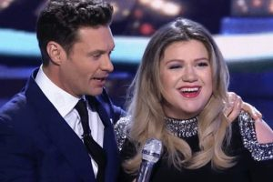 Kelly Clarkson Gives Emotionally Charges 'American Idol' Performance That Brings Listeners To Tears