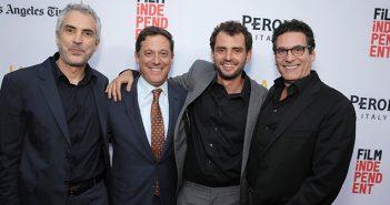 Alfonso Cuaron, Adam Fogelson, Jonas Cuaron, Oren Aviv en la noche de cierre del festival de cine de Los Angeles