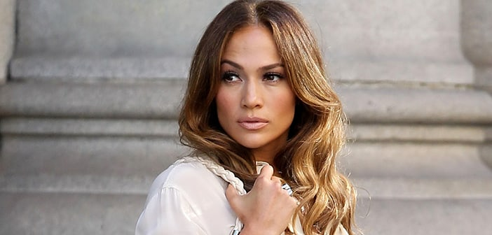"Jennifer Lopez Says She Had to ""Fight"" to Keep Her Curves When She First Started As An Entertainer"