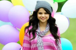 Selena Gomez Crowned Queen Of Instragram After Becoming The First To Ever Reach 100 Million Followers