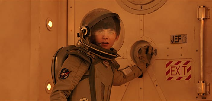 """""""THE SPACE BETWEEN US"""" - New Release Date and Film Images 1"""