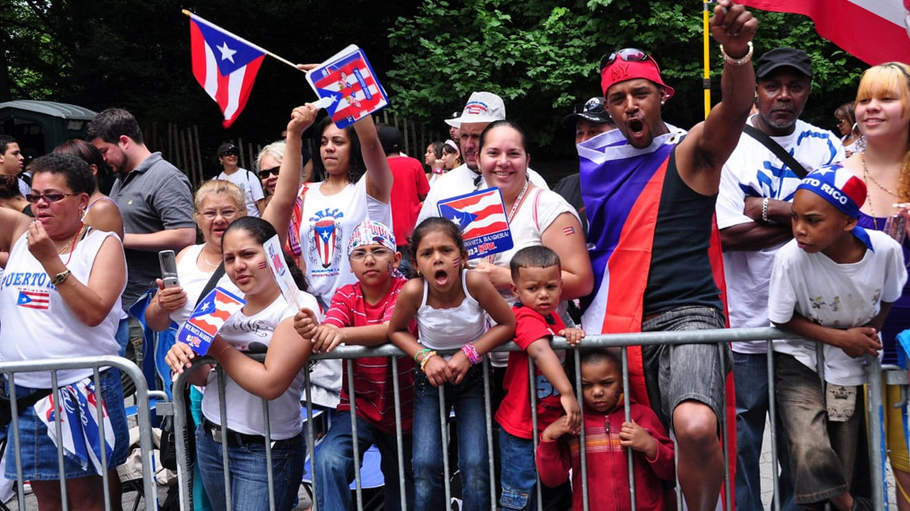 Search besides Goya Support Puerto Rican Day Parade further This Member Chose To Be Shown As Anonymous moreover Catherine Zeta Jones Weight Height And Age likewise Patricia Arquette 390994. on oscar rivera chicago