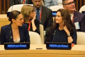 wonder-woman-lynda-carter-gal-gadot