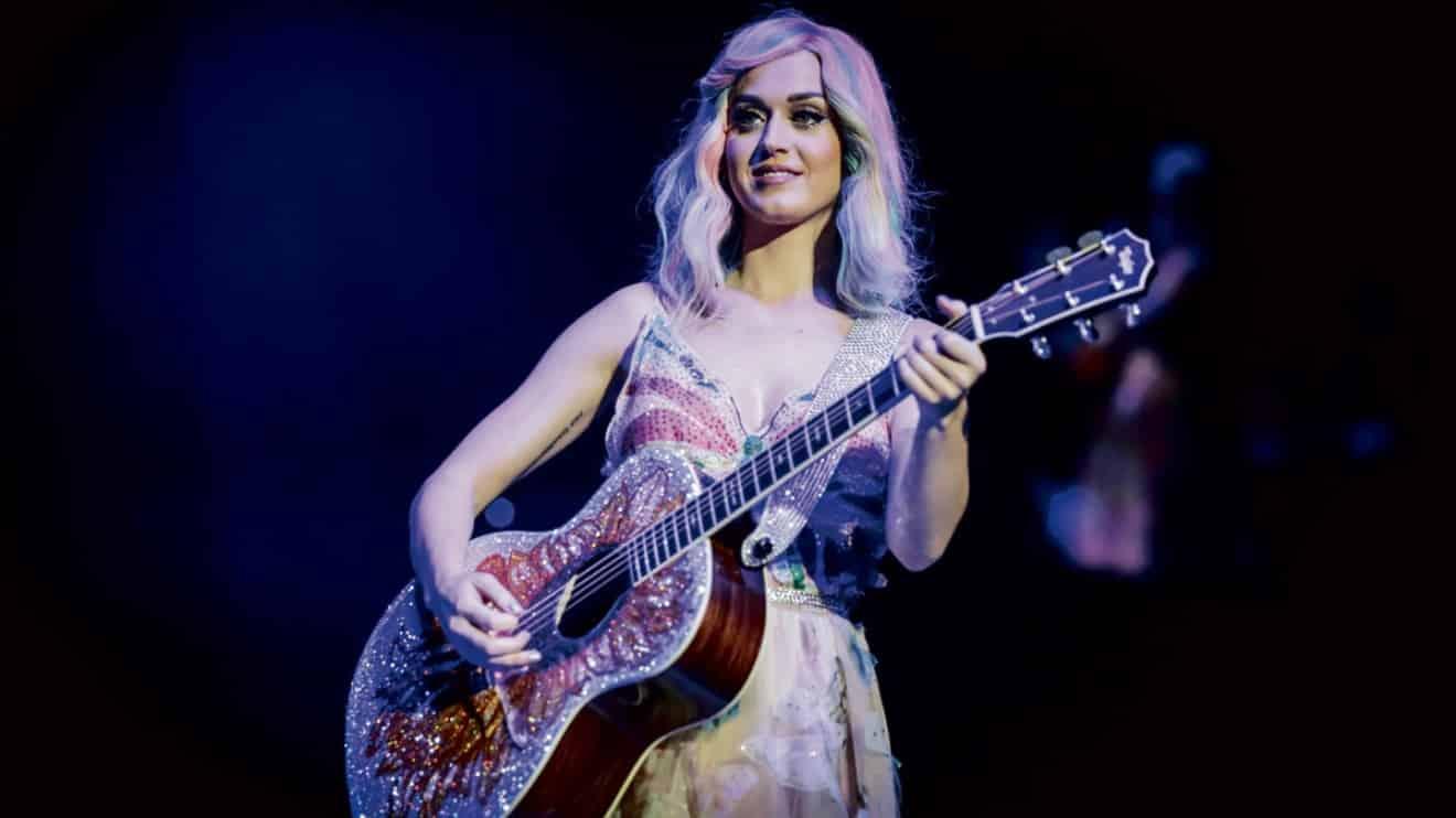 Katy Perry Delays Tour