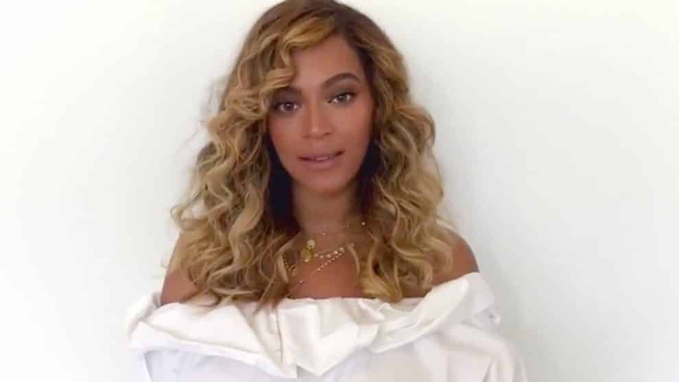 Beyonce Hand-In-Hand Message