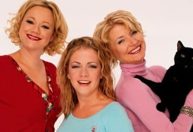 SABRINA-THE-TEENAGE-WITCH-facebook