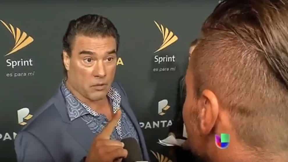 Eduardo Yáñez slaps reporter Paco Fuentes