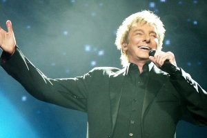Barry Manilow pneumonia